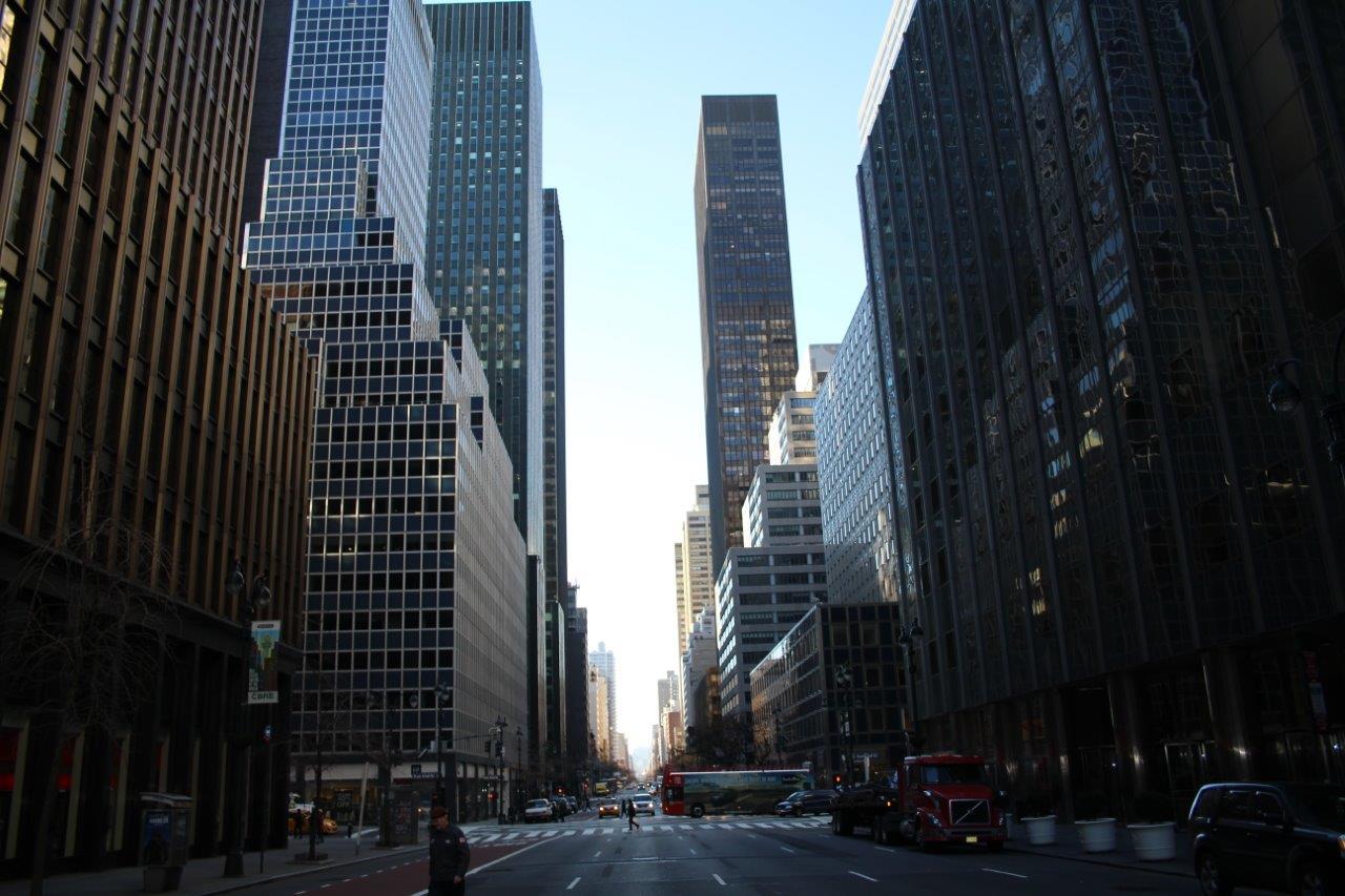En el corazón de Manhattan, te sientes dentro de una maqueta perfecta