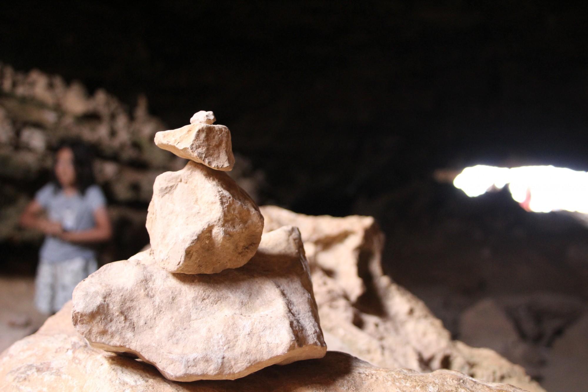 En el interior de las cuevas del cap de Babaria